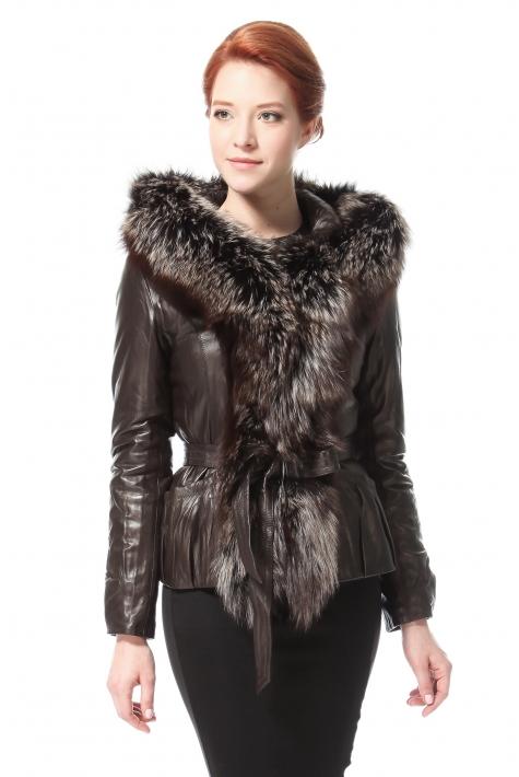 ухоженная дама кожаные куртки с меховым воротником фото турецкие действительно выглядит